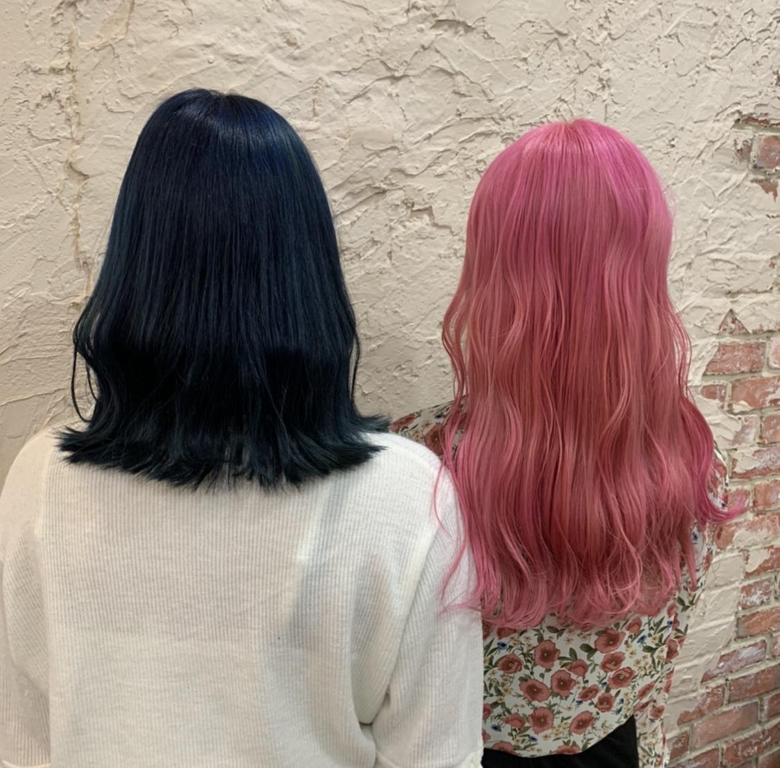 ブルーとピンクヘアカラー